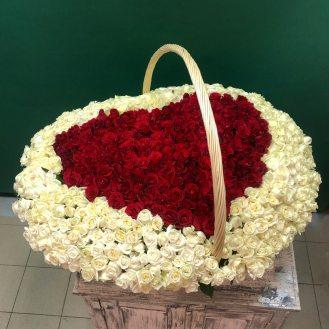 Чудо любви - сердце из 501 розы
