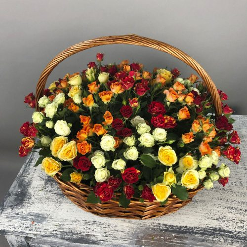 Для самой прекрасной - Корзина из кустовых роз