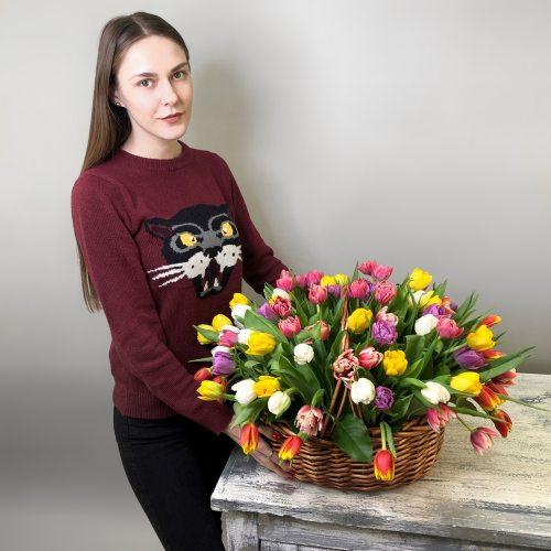 Великолепие - 101 тюльпан в корзине