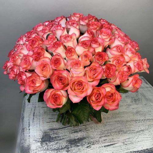 Французский шик - 101 розовая роза