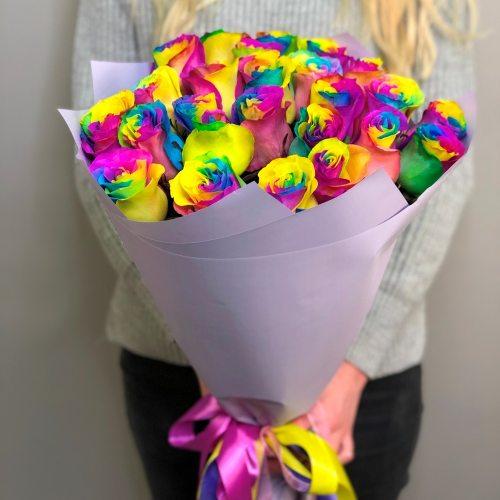 25 радужных роз