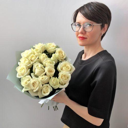 Нежное признание -  19 белых роз