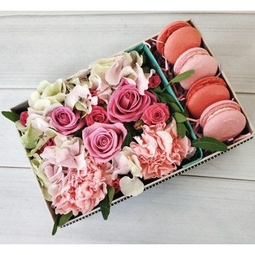 """Цветы с пирожными """"Малышка"""""""