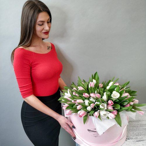 Весеннее изобилие - 151 тюльпан в коробке