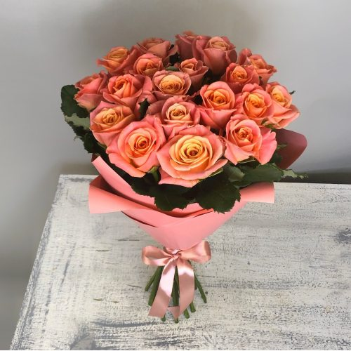 Улыбка - 19 оранжевых роз