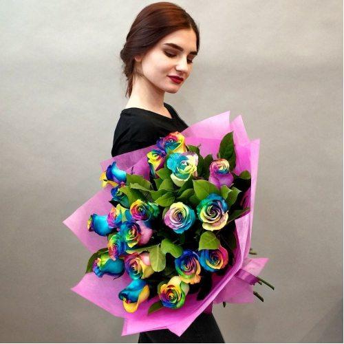 Фейерверк - 19 радужных роз