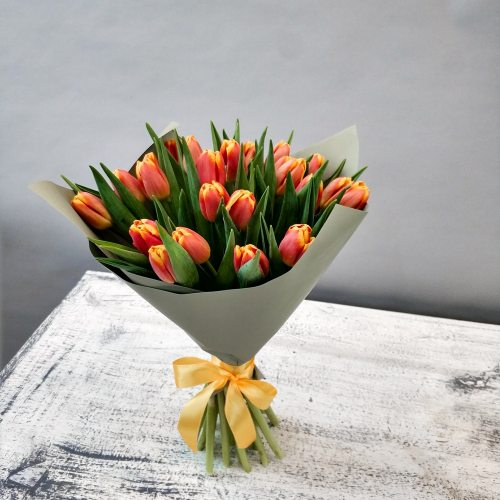 Подарок Весны  - 25 тюльпанов