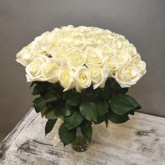Облако из роз - 51 белая роза